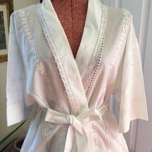 Vintage Miss Elaine Eyelet robe